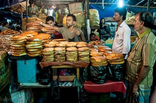 Bakarkhani & sheermal stall